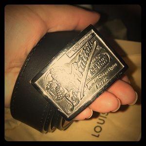 Authentic Louis Vuitton Travelling Requisites Belt